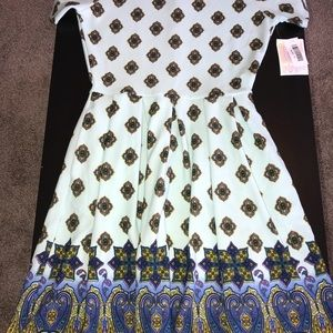 "Beautiful ""dipped"" LuLaRoe Amelia, size M. NWT"